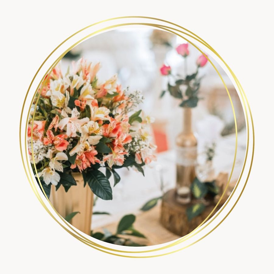 Centre table avec bouquet orangé - C&D Events Wedding planner / Organisatrice de mariage Oise et Paris