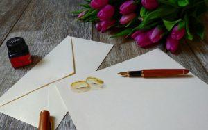 feuille et enveloppe avec alliances - C&D Events Wedding planner / Organisatrice de mariage Oise et paris